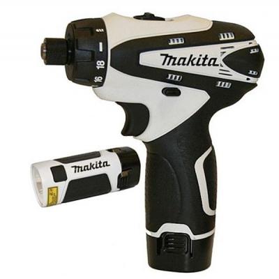 Шуруповерт Makita 10,8В, 1,3Аг, 24Нм + оснащение (DF030DWX01)